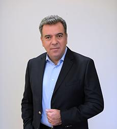 Μάνος Κόνσολας